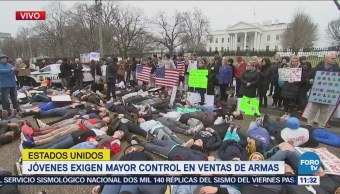 Jóvenes exigen mayor control de armas a Donald Trump