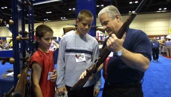 Legisladores Florida bloquean intento prohibir fusiles