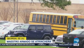 Maestro armado se atrinchera en escuela de Georgia, EU