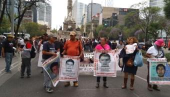 marchan cdmx 41 meses caso ayotzinapa