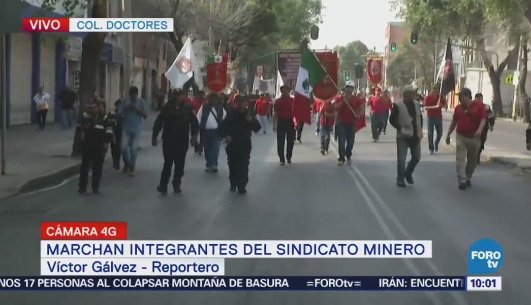 Marchan integrantes del Sindicato Minero en la CDMX