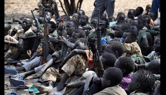 Niños y jóvenes soldados en Sudán del Sur. (Getty Images, archivo)
