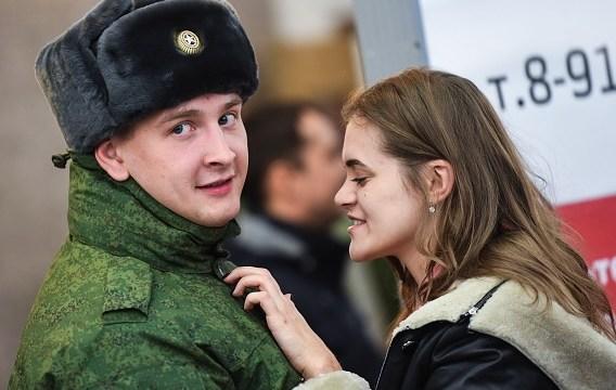 Tener varias parejas sexuales vuelve estéril a mujeres, dice funcionario ruso