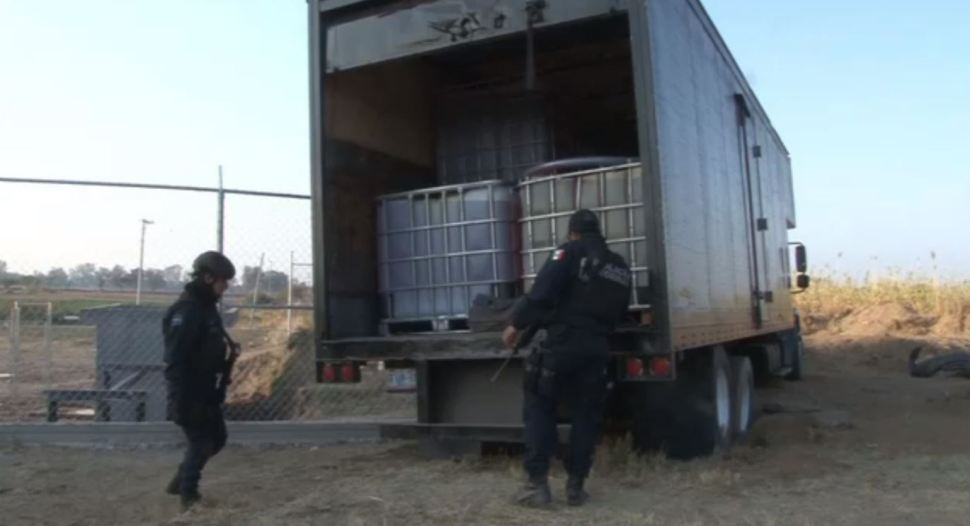 Policía Federal asegura 100 mil litros de combustible en Guanajuato