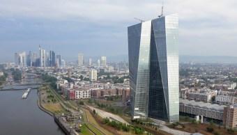 Prematuro, hablar sobre futuros cambios en política monetaria: BCE