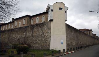 Francia instalará mil 500 celdas de aislamiento para islamistas en sus prisiones