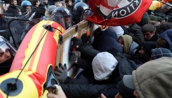 Miles marchan en Italia contra resurgimiento de fascismo y racismo