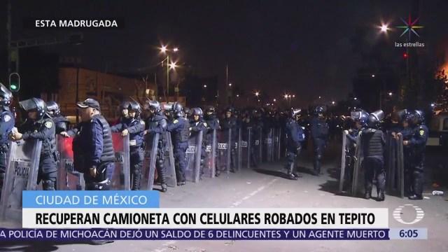 Recuperan camioneta con celulares en Tepito