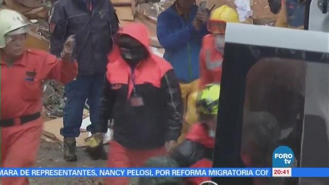 Rescatistas mantienen búsqueda de sobrevivientes por sismo Taiwán