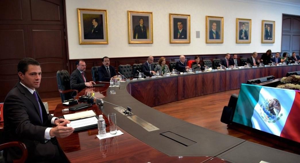 EPN se reúne con integrantes de su gabinete