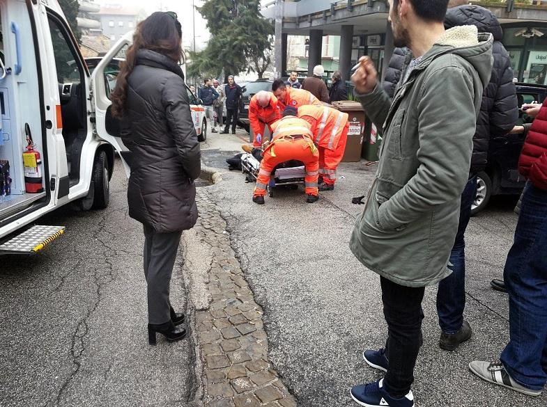 Disparan contra extranjeros africanos en centro de Italia — AMPLIACION