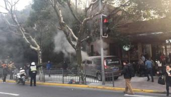 Camioneta atropella multitud Shanghai dejando 18 heridos