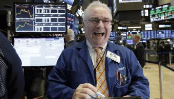 Wall Street revierte caída inicial y extiende recuperación