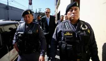 Procesan por fraude al expresidente de Guatemala Álvaro Colom
