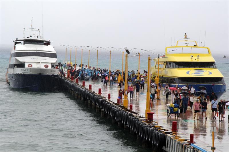 Instalan arcos de seguridad para detectar explosivos en terminales marítimas de Quintana Roo