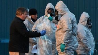 38 personas son examinadas en Inglaterra tras envenenamiento de exespía ruso