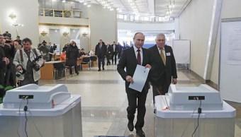 Los ocho candidatos a la presidencia rusa votaron en las primeras horas