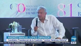 Andrés Manuel López Obrador acude a la Convención Bancaria