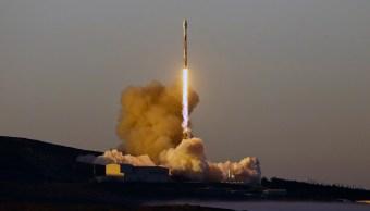 spacex lanza con exito cohete con 10 satelites de telecomunicaciones