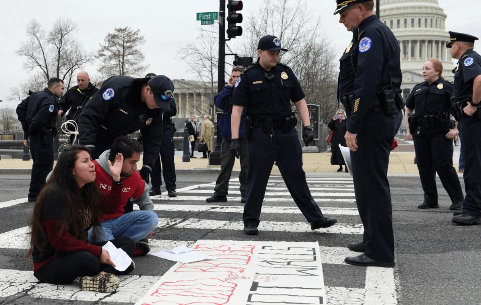 Cinco dreamers fueron detenidos en Washington por bloqueo al Capitolio