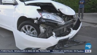 Automovilista causa accidente vehicular en la Colonia Doctores