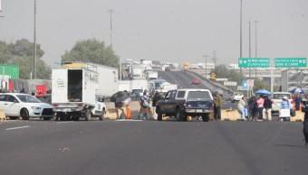 Bloquean Circuito Exterior Mexiquense en Ecatepec