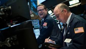 La Bolsa de Nueva York opera al alza