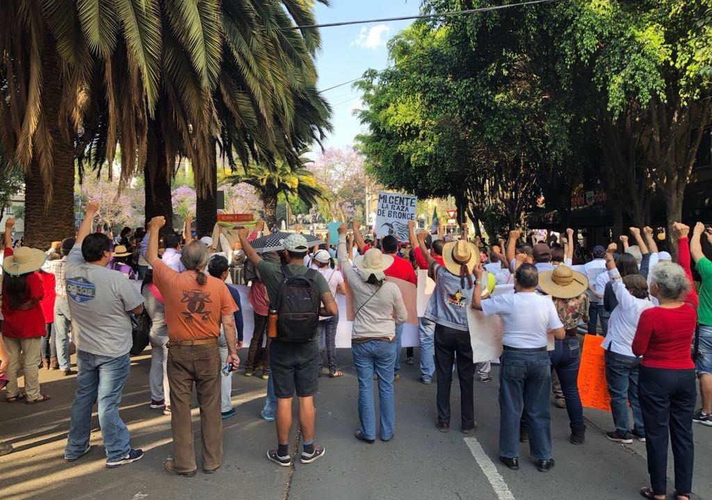 Damnificados por el sismo del 19-S marchan en la CDMX