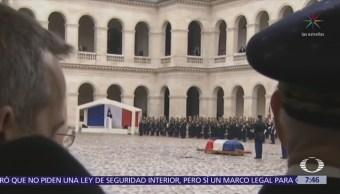 Francia despide con máximos honores a teniente que se intercambió por rehén