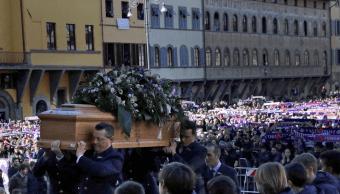 Funeral de Davide Astori reúne a miles en plaza de Florencia