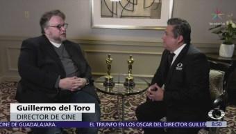 Guillermo del Toro viajará a México con sus 2 premios Óscar
