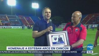 Homenaje a Esteban Arce en Cancún
