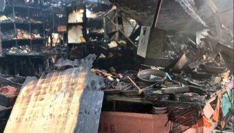 Incendio consume locales del Merado Hidalgo de la colonia Doctores, CDMX. (Twitter/@SUUMA_CDMX)