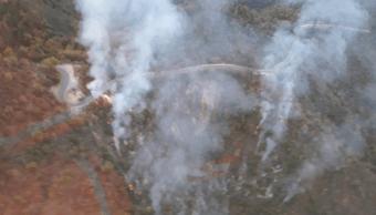 Combaten incendio en la sierra de Santiago, Nuevo León