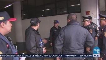 Policías discuten por detención de acosador en el Metro