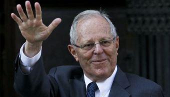 Congreso de Perú aprueba debatir la destitución del presidente Kuczynski