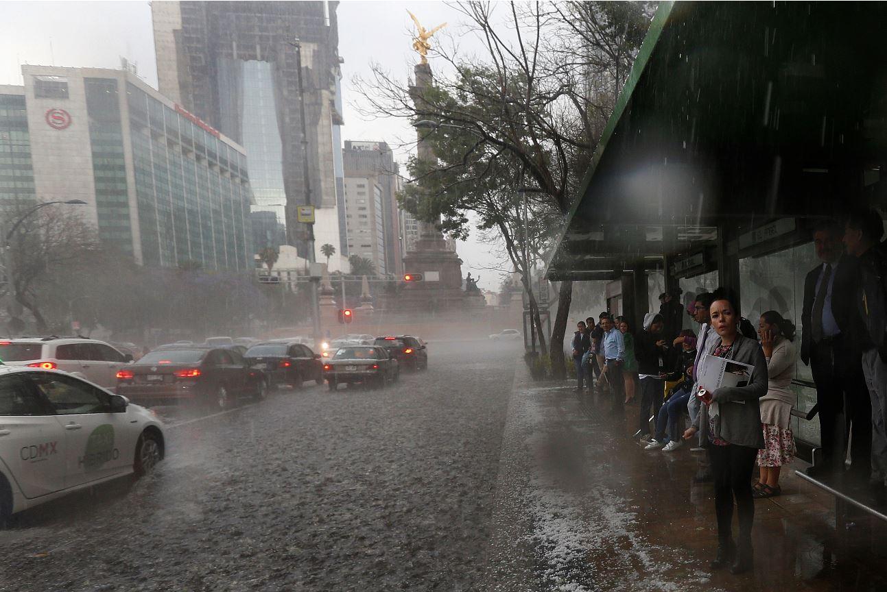 Alerta por tormentas fuertes y por vientos intensos en la región