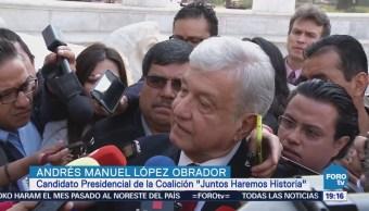 López Obrador realiza guardia de honor en el Hemiciclo a Juárez
