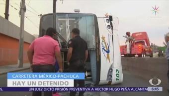 Vuelca Camión Pasajeros Carretera México-Pachuca