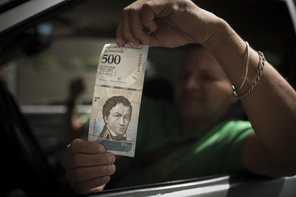 Maduro aumenta salario mínimo venezolanos séptima vez 14 meses