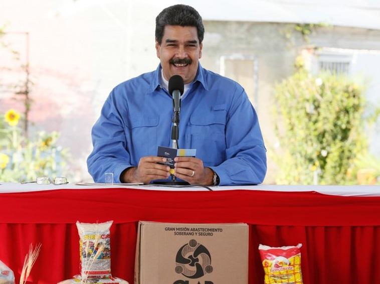 'Sistema electoral de Colombia da vergüenza; es fraudulento, medieval, sin garantías': Maduro