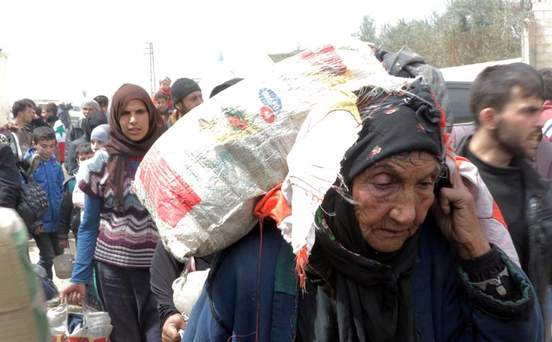 miles de personas huyen de guta oriental por combates