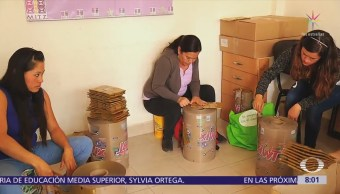 Mujeres de Chimalhuacán, Edomex, convierten desperdicios en artesanías