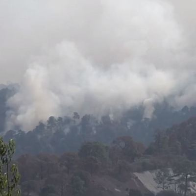Incendio se acerca al Parque Nevado de Colima