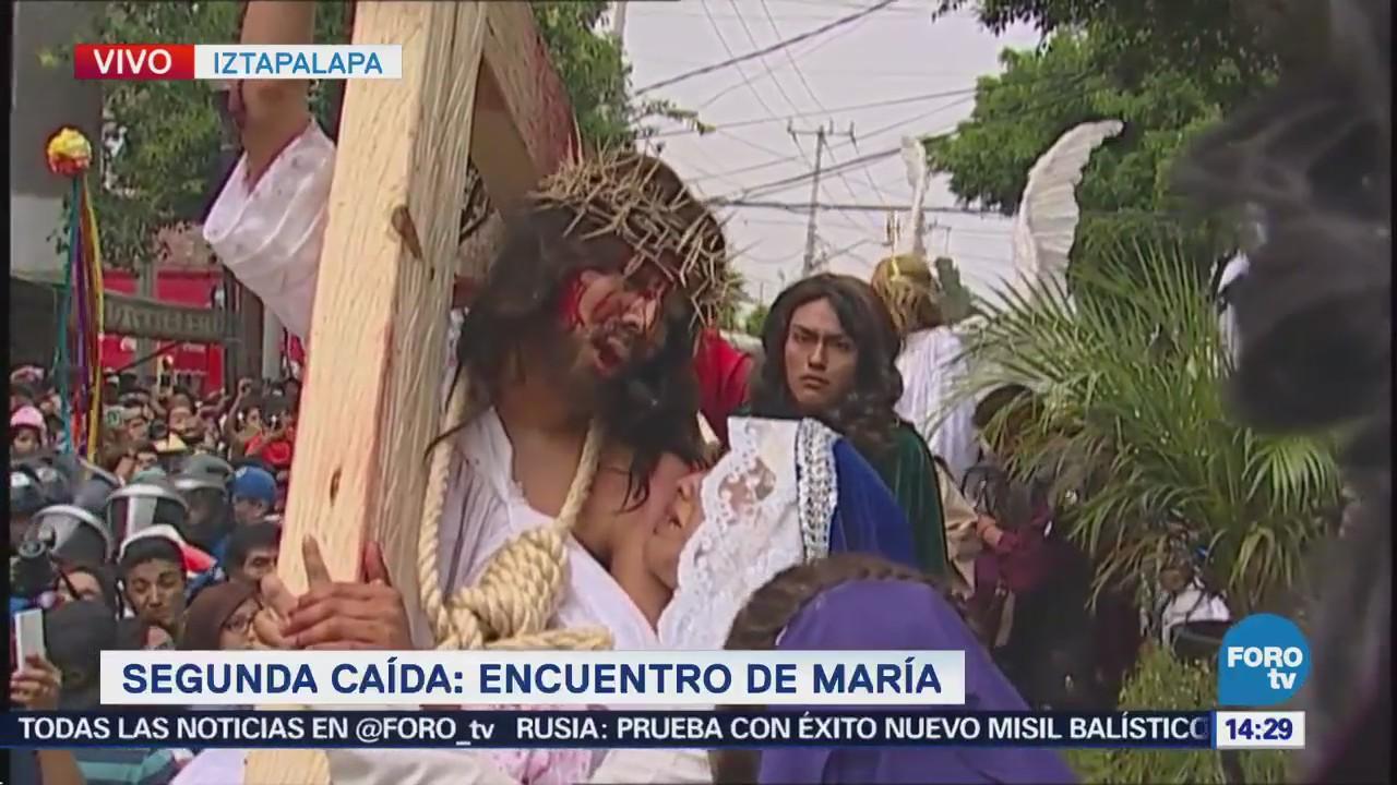 Segunda caída en el Viacrucis: Encuentro de María
