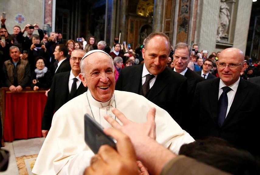 """""""Las misas no se pagan son gratuitas"""", aclara el papa Francisco"""