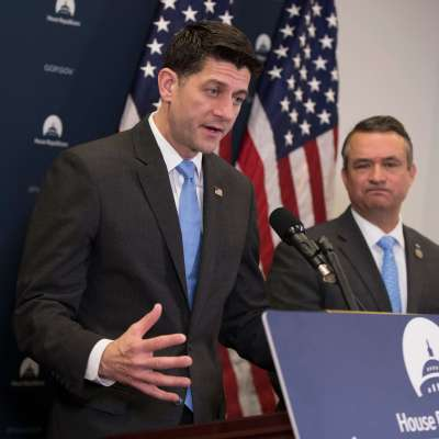 Legisladores estadounidenses buscan finalizar proyecto de gasto para evitar parálisis gubernamental