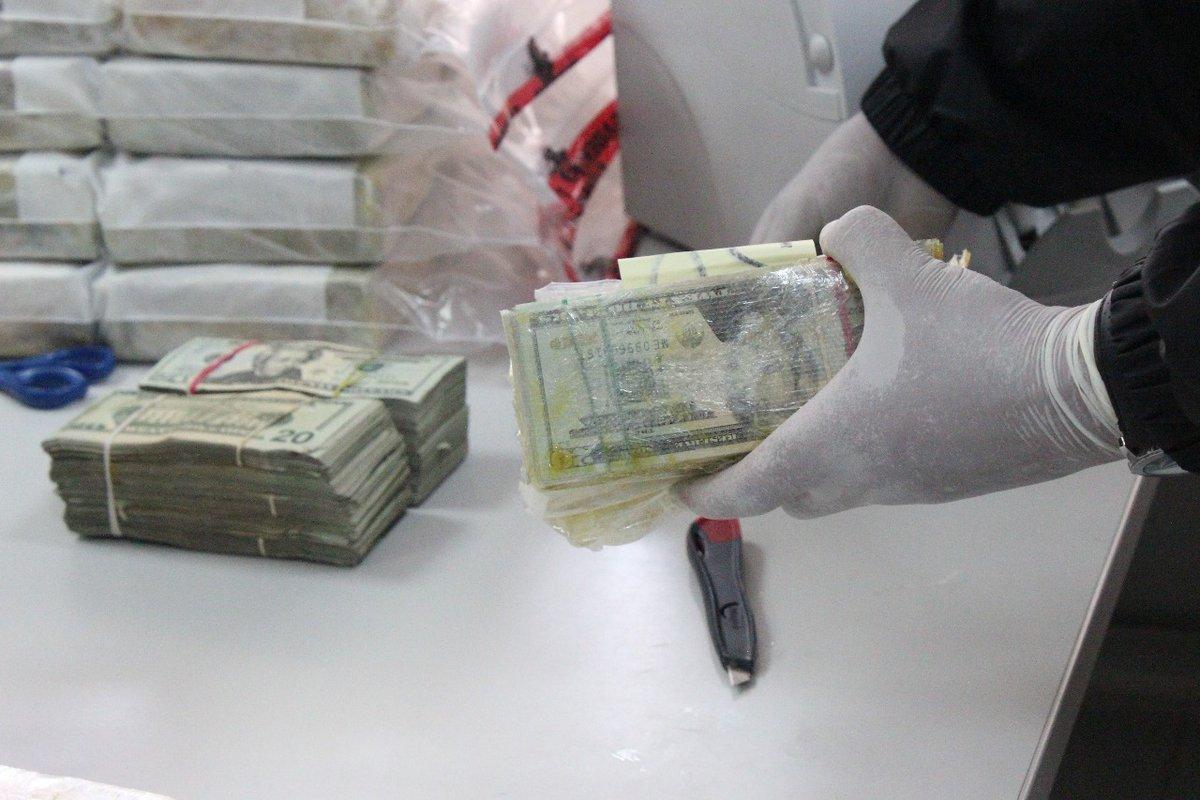 PGR detiene a 4 personas; llevaban casi 2 mdd en efectivo
