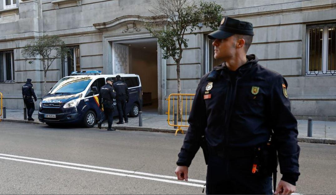 Agentes españoles y alemanes coordinaron la detención de Puigdemont