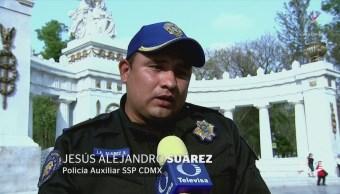 Policías casi arrollados en la Alemeda ofrecen ayuda al conductor